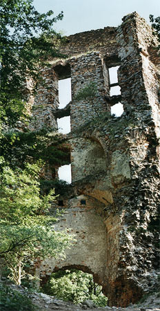 Ruins of the main gate and buildings of the Pajstun Castle, from inside