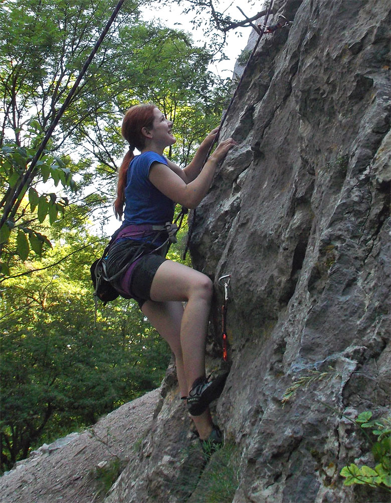 Climbing with Passion 5 - Izzy.