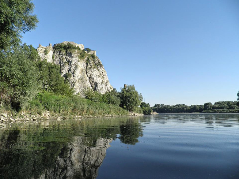 Paddle trip on the Morava River from Zahorska Ves to Devin