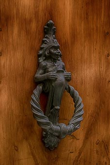 Siena - a doorknocker
