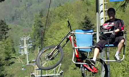 Chairlift to Kamzik is used by bicyclist too