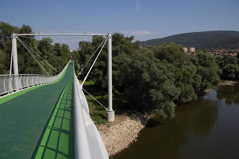 Pedestrian and cycling bridge over the Morava River in Devinska Nova Ves 2