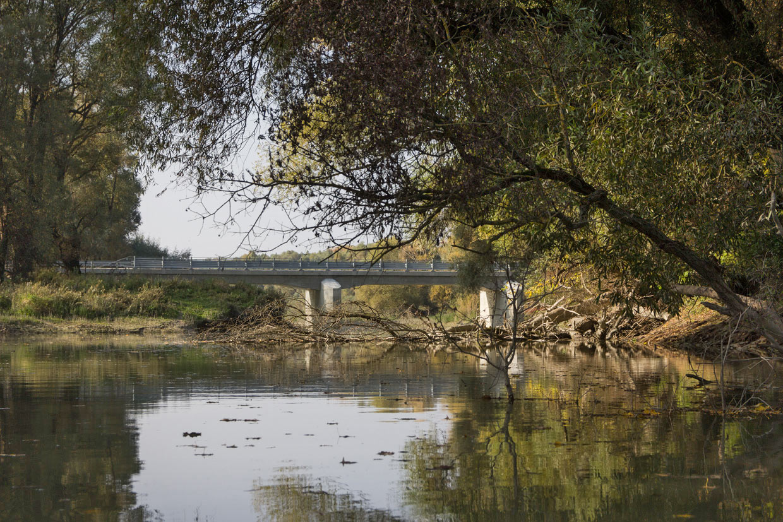 Tento most je teraz jedinou spojnicou Veľkolélskeho ostrova s pevninou. Autám vstup zakázaný
